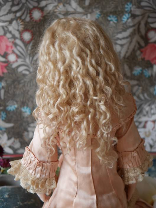 アリス後ろ髪.jpg